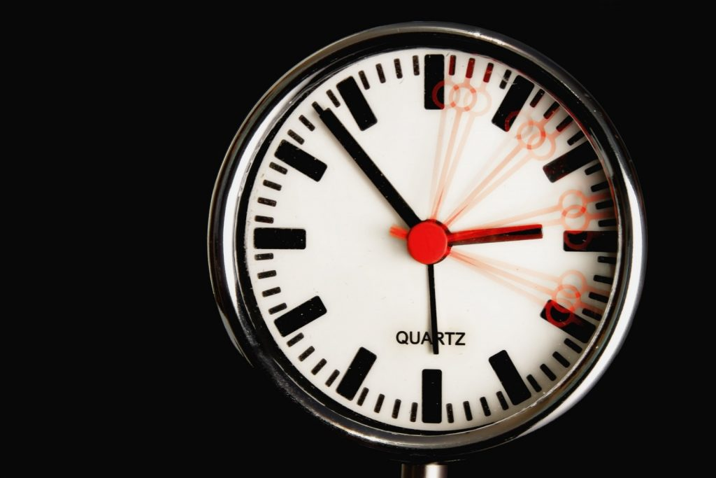 clock-time-time-of-time-indicating-pointer-watches